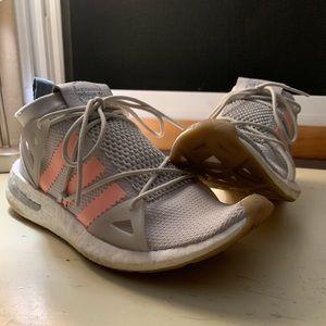 Adidas Arkyn Sneaker - worn twice